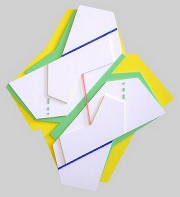 Perrottelli-Atonio-opera-nº1-plástico-pintado-105cm-x-92cm-x-5cm-2001
